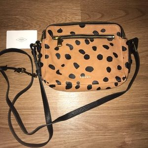 Leopard Fossil crossbody with key and Fossil card